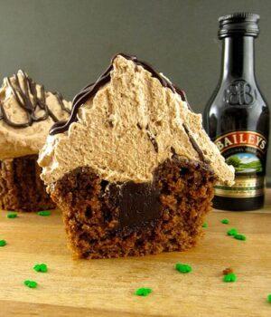 Boozy Cupcake Weekend Lineup