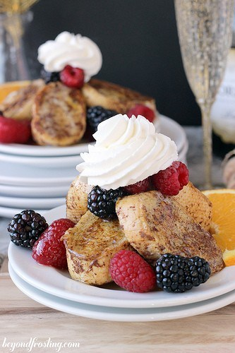 Mimosa French Toast | beyondfrosting.com