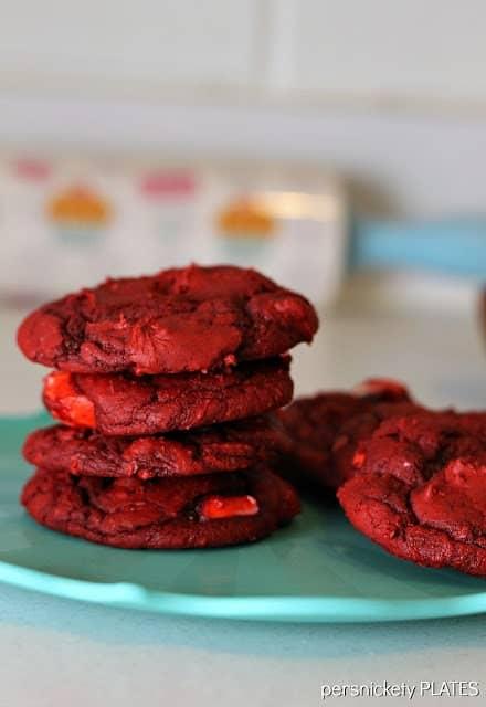 B27- redvelvetswirlcookies1