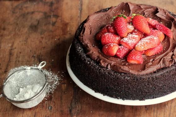 C35- Vegan Choc Strabwrry mousse cake