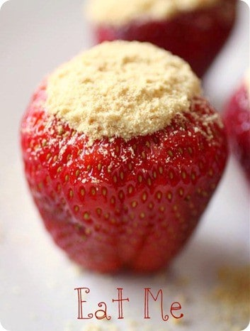 x7- Cheesecake-Stuffed-Strawberries-1_thumb