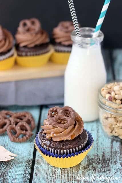 Take 5 Cupcakes | beyondfrosting.com