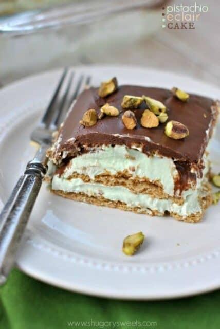 29- pistachio eclaire cake
