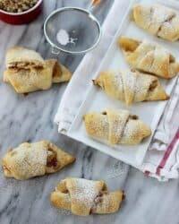 Apple cheesecake pastry