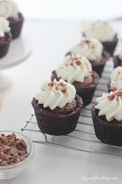 Luscious Chocolate Cream Pie Cookie Cups