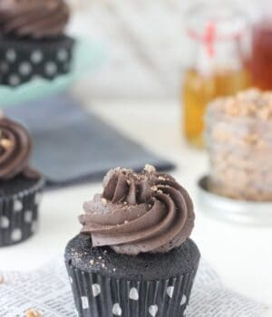 Whiskey Toffee Chocolate Cupcakes