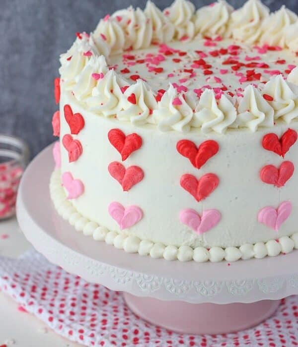 Easy Ombre heart cake for Valentine's day with step by step instructions.