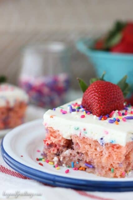 Easy Strawberry And Cream Cupcakes Beyond Frosting
