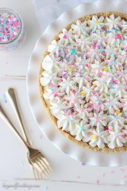 If you like cake batter, then you will love this homemade pie! The golden Oreo crust is filled with a from-scratch Funfetti pudding and topped with a cake atter whipped cream.