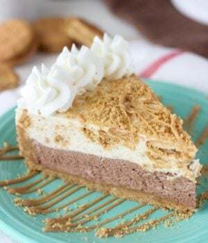 No-Bake Chocolate Nutter Butter Mousse Pie