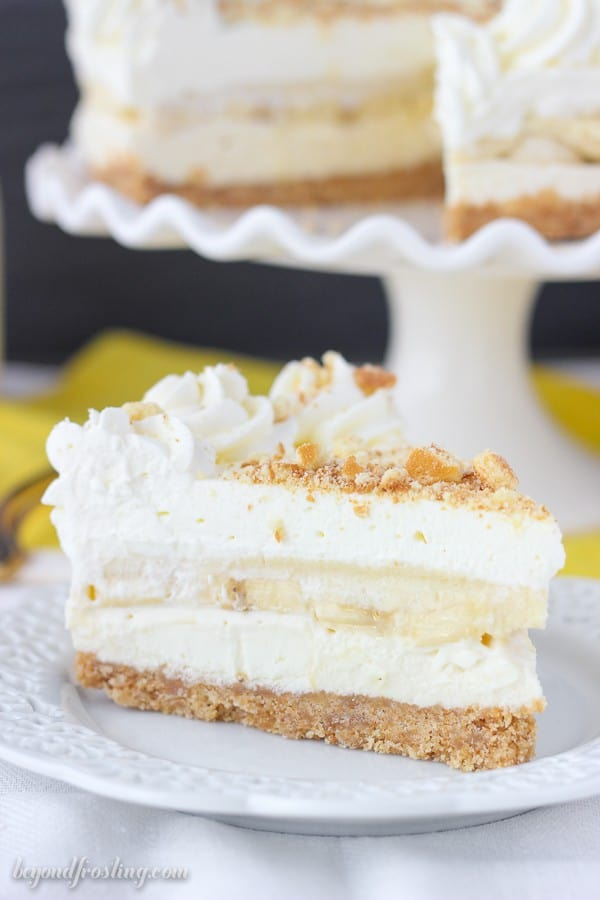 This No-Bake Banana Pudding Cheesecake get rave reviews every time. No-Bake Banana Pudding Cheesecake is just like classic banana pudding but with tangy layer of cheesecake. It has a vanilla wafer crust, no-bake cheesecake, vanilla pudding, fresh bananas and whipped cream.
