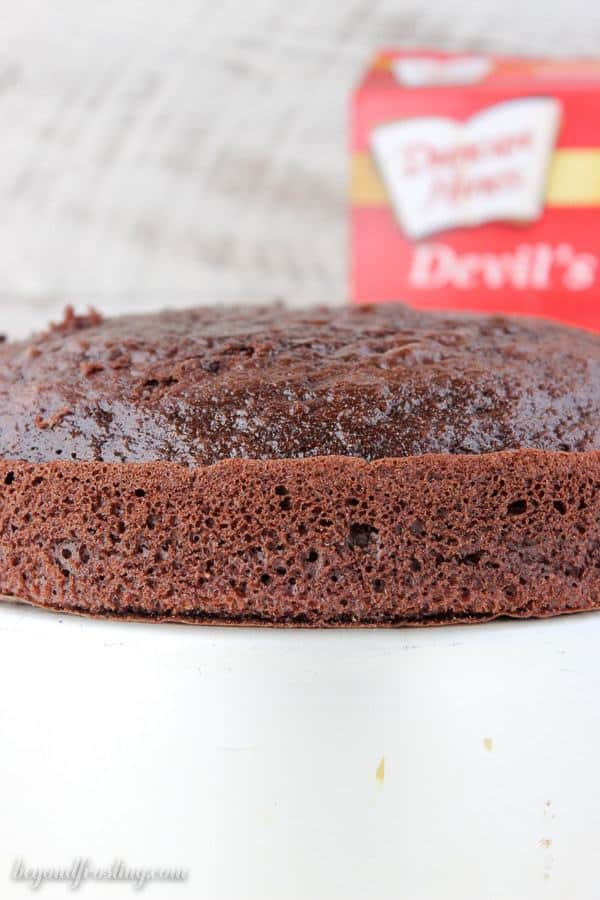 Duncan Hines Devils Food Cake Mix. What is the best boxed chocolate cake mix? This post will answer your questions. It is the best guide explaining the differences between boxed cake mixes.