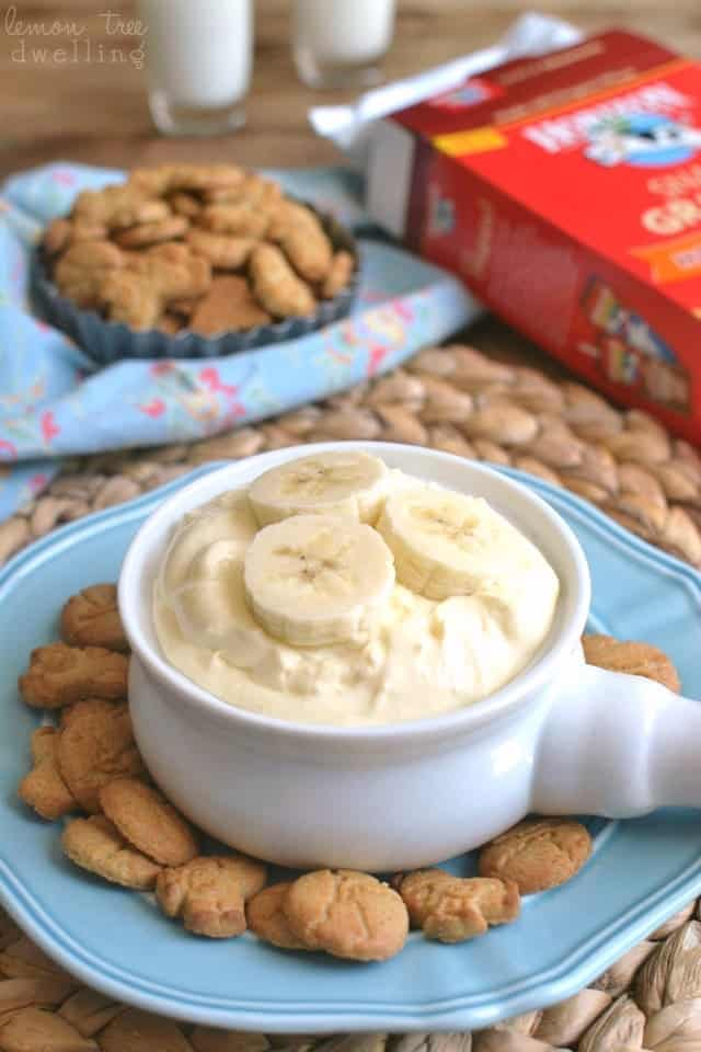 A Crock of Banana Cream Pie Dip on a Blue Plate