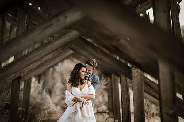 Rustic Barn Wedding in Central Oregon at Brasada Ranch © Kimberly Kay Photography