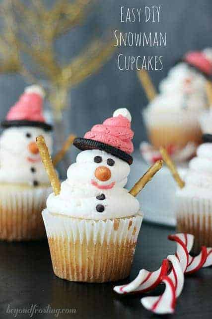 Easy DIY Snowman Cupcakes - Beyond Frosting