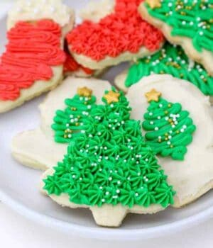 How to Decorate Sugar Cookies With Buttercream Frosting