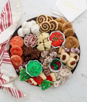 How to Create a Christmas Cookie Dessert Charcuterie Board