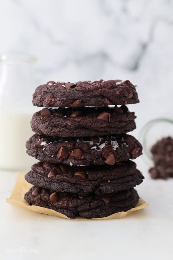 5 chocolate cookies stacked on one another